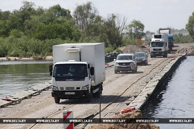 Понтонная переправа через Припять работает в штатном режиме