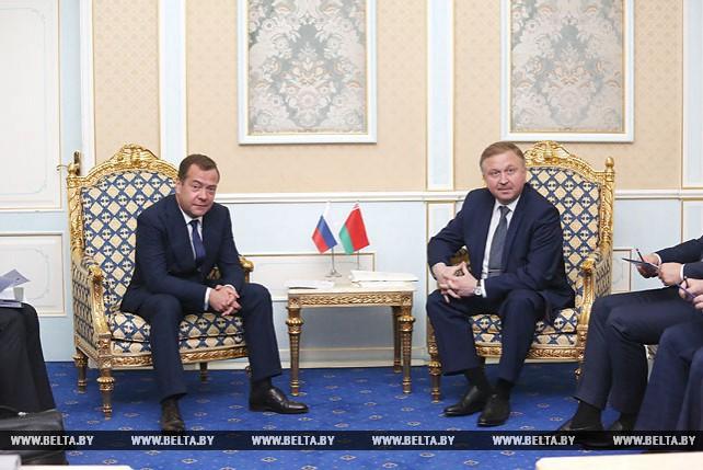 Кобяков и Медведев обсудили вопросы белорусско-российского сотрудничества