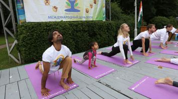 День йоги отпраздновали в Минске