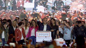 На президентских выборах в Колумбии победил Иван Дуке