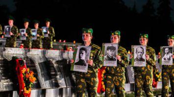 Около 10 тыс. человек приняли участие в митинге-реквиеме в Брестской крепости