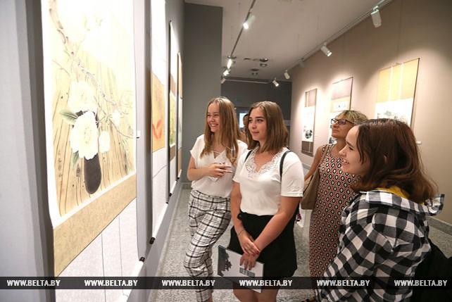 Пять китайских художников подарили свои работы Национальному художественному музею