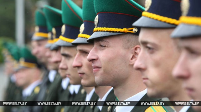 Торжественный выпуск офицеров Института пограничной службы состоялся в Минске
