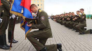Выпускники Университета гражданской защиты МЧС получили лейтенантские погоны