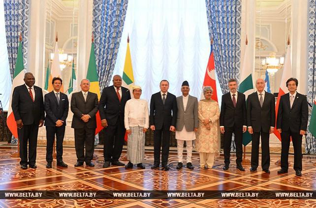 Лукашенко принял верительные грамоты послов зарубежных государств