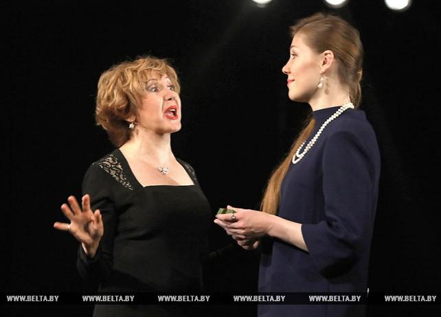 """Коласовский театр покажет новую версию детектива """"Восемь любящих женщин"""""""