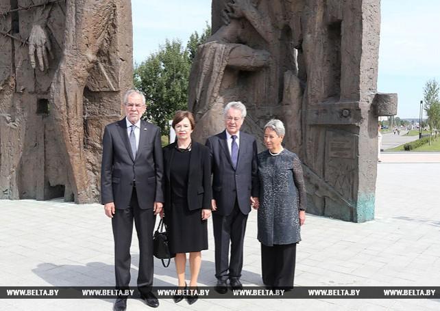 """Федеральный Президент Австрии посадил дерево в мемориальном комплексе """"Тростенец"""""""