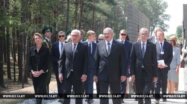 """Лукашенко с президентами Германии и Австрии посетил мемориальный комплекс """"Тростенец"""""""