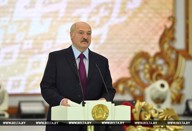 Лукашенко принял участие в Республиканском балу выпускников учреждений высшего образования