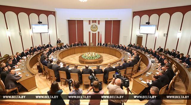 Макей встретился с руководителями дипломатических представительств