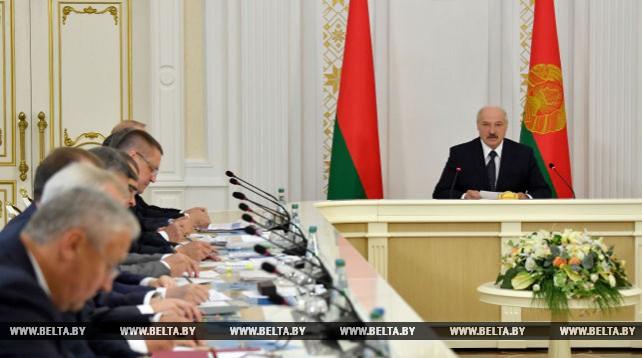 Новый механизм финоздоровления проблемных предприятий АПК обсудили на совещании у Президента
