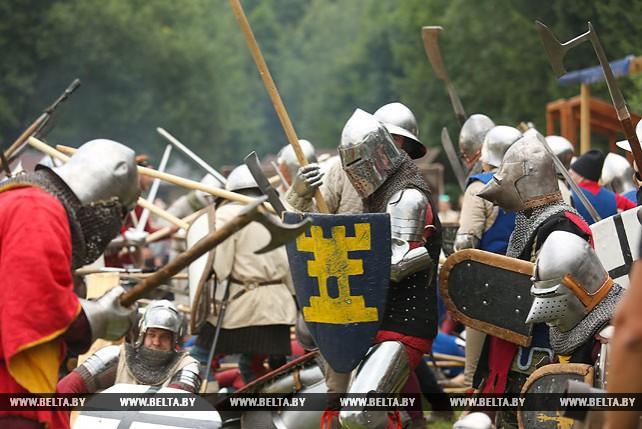 Грюнвальдскую битву реконструировали на фестивале в Дудутках