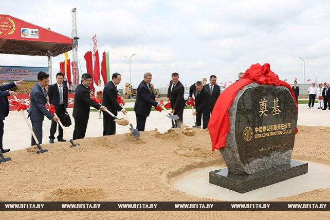 Высокотехнологичное АПК-производство начали строить в Пуховичском районе