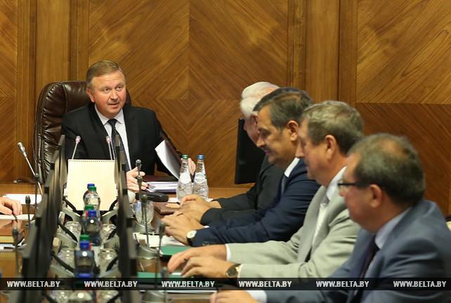 Андрей Кобяков провел заседание Совета Министров