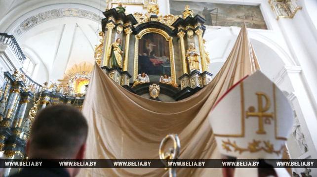 В Гродненском кафедральном костеле открылся алтарь Божьей матери Розария (Ружанцовой)