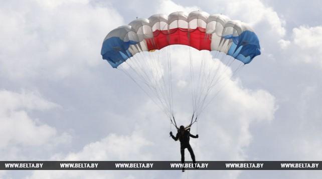 Занятия по парашютному спорту в Могилевском аэроклубе ДОСААФ им. А.М.Кулагина