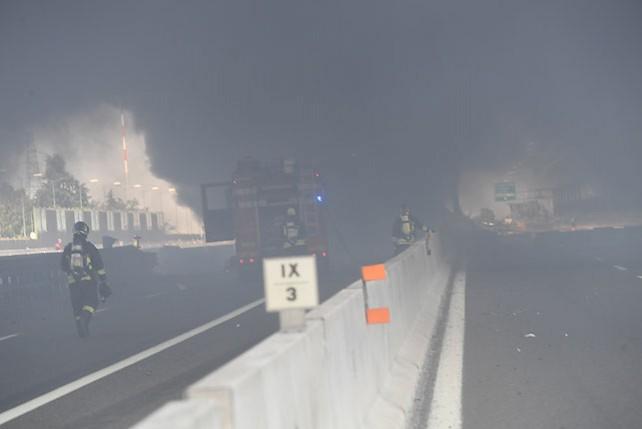 Взрыв автоцистерны произошел вблизи итальянского города Болонья