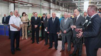 Лукашенко подверг жесткой критике качество работы по развитию Оршанского инструментального завода