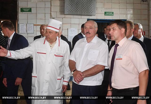 Лукашенко посетил Оршанский мясоконсервный комбинат