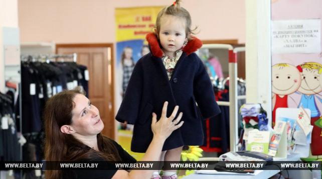 Жлобинская фабрика шьет детские пальто по заказу французской фирмы
