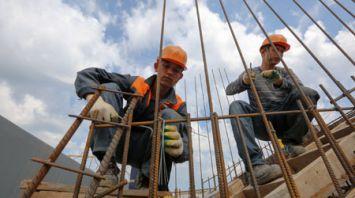 Третий трудовой семестр идет на Всебелорусской молодежной стройке