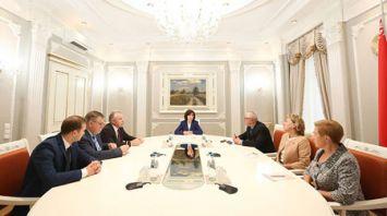 Кочанова обсудила с общественными объединениями предложения по кадровому обновлению правительства