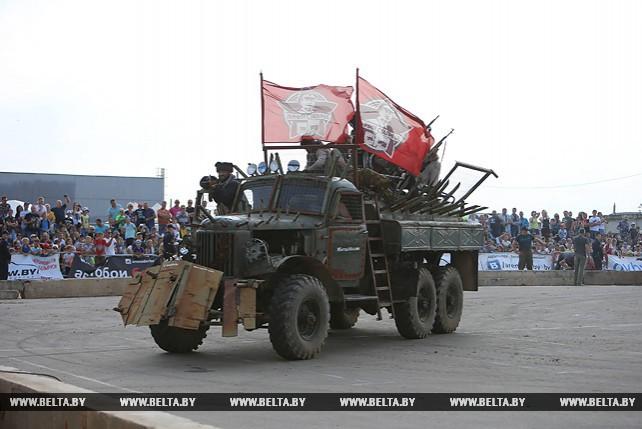 """Автобои на выживание прошли на """"Линии Сталина"""""""