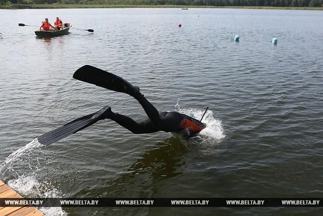 Спасатели-водолазы соревнуются в Щучинском районе