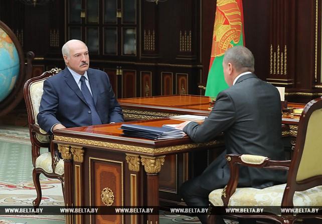 Лукашенко обсудил с Макеем ситуацию во внешнеэкономической деятельности и график международных встреч