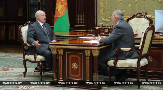 Лукашенко принял с докладом премьер-министра Румаса