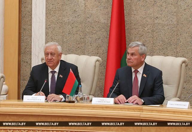 Мясникович встретился с парламентской делегацией Ирана