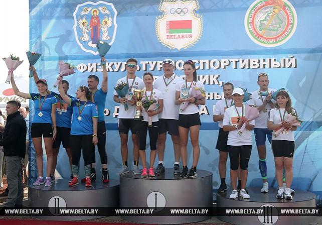 Команда НОК с участием Президента победила в лыжероллерной эстафете в День города