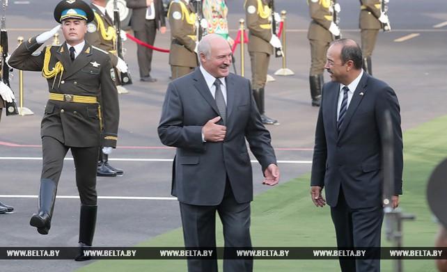 Лукашенко прибыл с официальным визитом в Узбекистан
