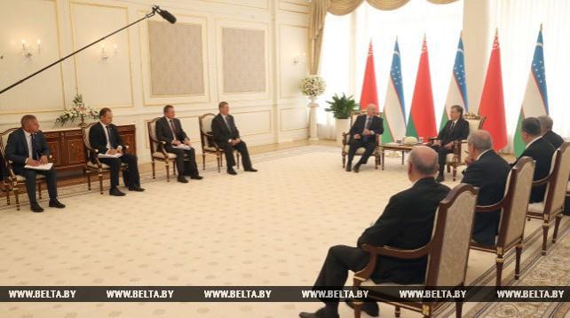 Лукашенко и Мирзиеев провели встречу в узком формате