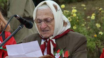 Жители Комарина отмечают 75-летие освобождения города от немецко-фашистских оккупантов