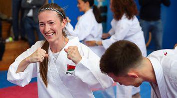 Дарья Домрачева попробовала свои силы в карате