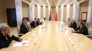 Рахманов встретился с армянскими парламентариями
