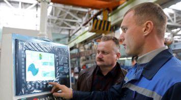 """Шлифовально-заточный полуавтомат с ЧПУ изготовлен на витебском заводе """"Визас"""""""