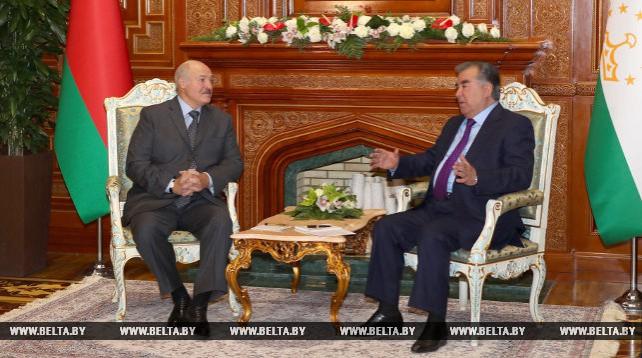 Александр Лукашенко встретился с Эмомали Рахмоном