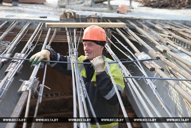 Продолжается ремонт аварийного путепровода на МКАД