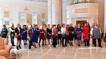 Экскурсия в честь Дня матери состоялась во Дворце Независимости