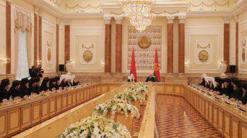 Лукашенко встретился с членами Священного синода Русской православной церкви и Синода Белорусской православной церкви