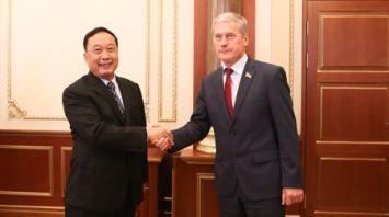 Болеслав Пирштук встретился с парламентской делегацией КНР