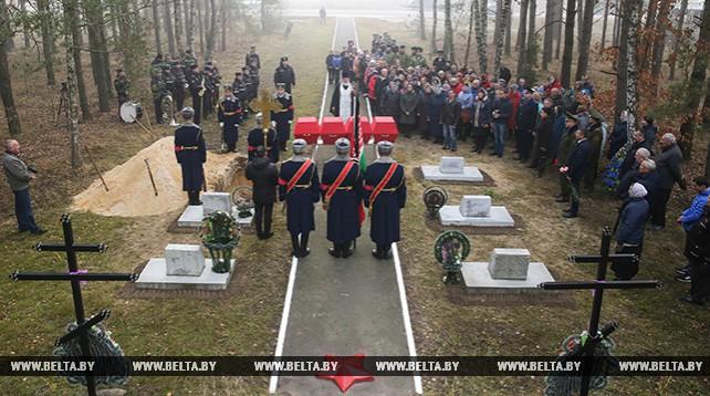 Останки десяти красноармейцев перезахоронили в Малоритском районе