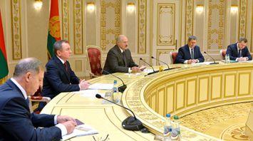 Лукашенко встретился с губернатором Иркутской области Сергеем Левченко