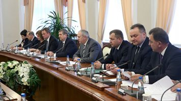 Румас встретился с губернатором Иркутской области Сергеем Левченко