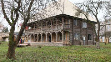 В Гродно завершен третий этап реставрации одного из старейших деревянных зданий