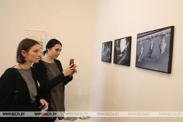Выставка белорусской и испанской художниц открылась в Витебске
