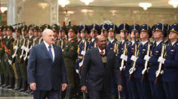 Встреча Лукашенко и Президента Судана проходит во Дворце Независимости