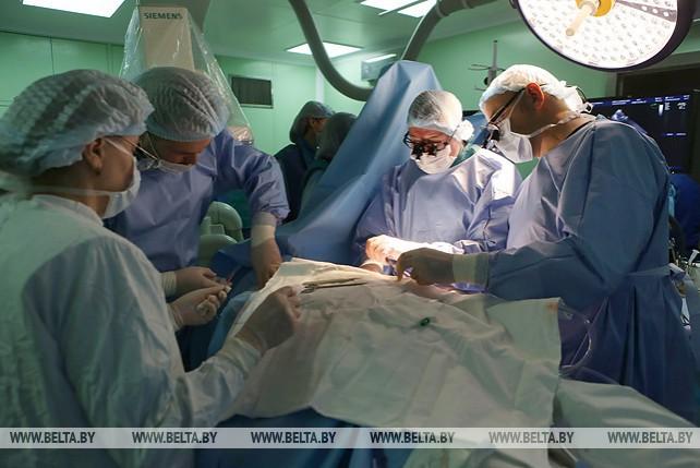 В Беларуси провели первую гибридную операцию на сердце